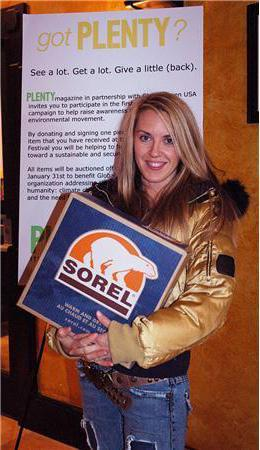 Liz Phair signs Sorel boots at Sundance 2006 for Got Plenty charity auction on eBay