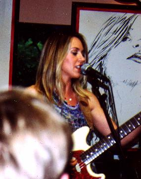 Liz at Chicago Tower Records, July 9, 2003